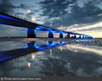Le pont de l'île d'Oléron la nuit