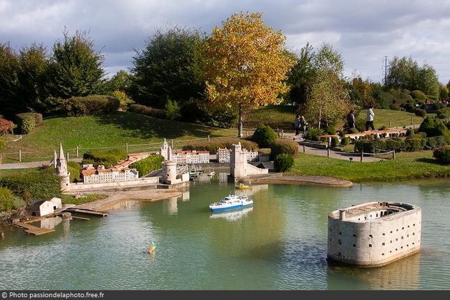 Maquette Fort Boyard au parc France Miniature