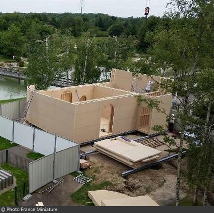 Construction attraction Fort Boyard au Parc France Miniature