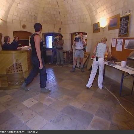 Coulisses des tournages de Fort Boyard - Cafétéria et bar en cellule 024 (2004)