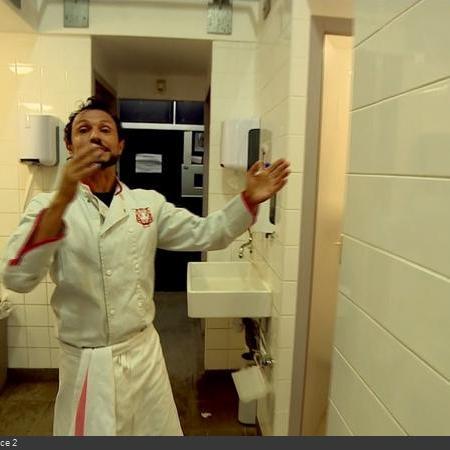 Coulisses des tournages de Fort Boyard - Sanitaires en cellule 013 (2018)