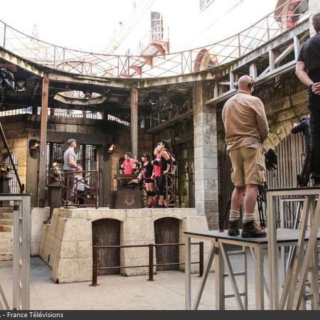 Coulisses des tournages de Fort Boyard - Tournage en hauteur pour les cadreurs lors de la fin de l'émission (2017)