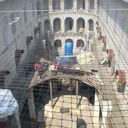 Coulisses des tournages de Fort Boyard - La cour intérieure devient un grand chantier (2010)