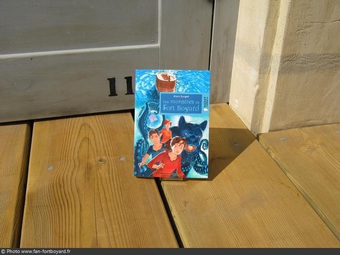 Livre-fiction - Les monstres de Fort Boyard de A. Surget (2013)