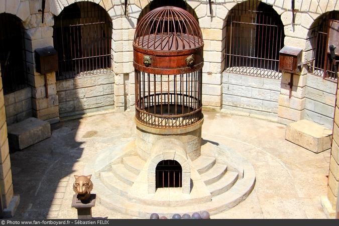 La Fontaine à Boyard de la Salle du Trésor de Fort Boyard (depuis 1991)