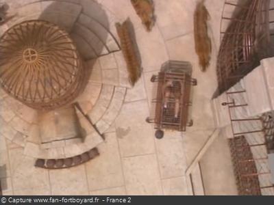 Le sol réhaussé derrière la Fontaine à Boyards dès 1997