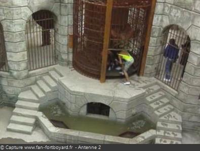 Les Clés de Fort Boyard 1990 : Sortie de la Salle du Trésor par la porte tournante